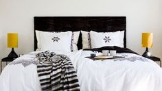 I love to lay in the bed on a lazy day! Make Your Own Headboard, Scandinavian Bedroom, Ikea Hacks, Comforters, Diy Home Decor, Home And Garden, Blanket, Tips, House