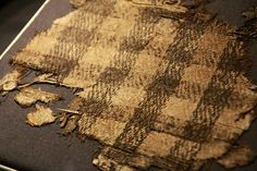 Woven textile found in the Oseberg boat mound grave in the county of Vestfold, Norway. Dates to 834 C. Viking Garb, Viking Dress, Viking Costume, Viking Clothing, Historical Clothing, Archaeological Finds, Norse Vikings, Weaving Textiles, Period Costumes