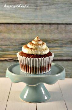 Manzana&Canela: Cupcakes veganos de cacao y coco Gluten Free Deserts, Healthy Desserts, Healthy Food, Sweet Recipes, Vegan Recipes, Vegan Chocolate Cupcakes, Cacao, Going Vegan, Bakery