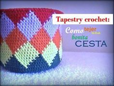 A step-by-step tutorial on how to make a tapestry crochet base with a simple snowflake pattern. Crochet Chart, Crochet Stitches, Free Crochet, Knit Crochet, Crochet Patterns, Boho Tapestry, Tapestry Crochet, Simple Snowflake, Knit Basket