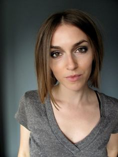 Makeup artist AnnaMarie Tendler shows how to rock an asymmetrical bob.