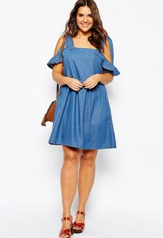 Cold shoulders are a (good) thing, and this peekaboo dress ticks a lotta romantic and 90s trend boxes
