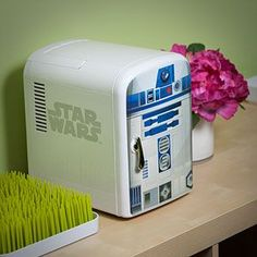 R2-D2 Mini Fridge Additional Image