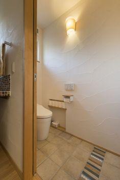 お手入れしやすい床タイルのトイレ #タイル #igstylehouse #アイジースタイルハウス New Homes, Wall Finishes, Lavatory, Interior Design, Pretty Room, House, Toilet, Interior, Office Design