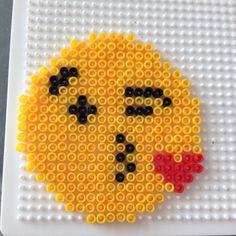 Emoji perler beads by _singer_love_