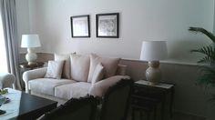 Distribución y amueblamiento de vivienda clásica con muebles de caoba. Diseño dk-interior. www.decoraciondeinterioresdecoc.com