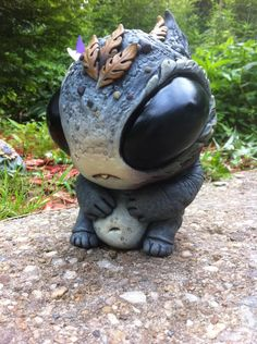 Cute monster art - Chugbuggler by artist Chris Ryniak Weird Creatures, Fantasy Creatures, Mythical Creatures, Clay Monsters, Little Monsters, Pomeranian Chihuahua Mix, Pomchi Puppies, Dragons, Sculpture Clay