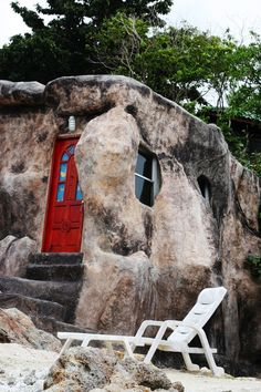 Photos of very cool underground homes. - Interesting - Check out: Impressive Underground Homes on Barnorama Underground Living, Underground Homes, Unusual Buildings, Interesting Buildings, Amazing Architecture, Architecture Design, Organic Architecture, Classical Architecture, Architecture Organique