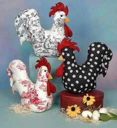 Hen and eggs crafting supplies, fretwork – Spring crafts – hen with eggs, easter DIY, wood easter chicken decor, easter crafts for teens … - Fabric Toys, Fabric Crafts, Sewing Crafts, Diy Crafts, Chicken Crafts, Chicken Art, Fabric Animals, Fabric Birds, Easter Arts And Crafts