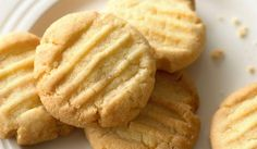 Mary berry simple biscuits (add a little milk for gf) Biscuit Recipes Uk, Easy Biscuit Recipe, Flour Recipes, Cookie Recipes, Dessert Recipes, Baking Recipes Uk, Mary Berry, Great British Bake Off, British Baking