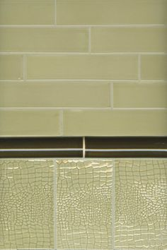 Snake Skin eclectic bathroom tile,  4x6.5 tile in T04 Parchment. By Red Rock Tileworks.