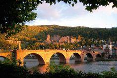 Blick auf Schloss Heidelberg mit der Alten Brücke im Vordergrund-- enjoyed going to Heidleberg