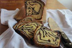 Cozonac cu ciocolata, marmorat Romanian Desserts, Romanian Food, Cupcake Cakes, Cupcakes, Cookie Pie, Loaf Cake, Dough Recipe, Yams, Coffee Cake