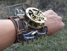 All Things Crafty: SO's Steampunk Gear  バングルにももちろん目をひかれたけど、腕が、一瞬自分の腕に見えたwwww