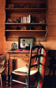 Cozy writing table~~~~i absolutely love this .the entire pic! Log Cabin Living, Room Of One's Own, Country Decor, Country Living, Rustic Decor, Cozy Cabin, Cabins In The Woods, Rustic Style, Rustic Charm