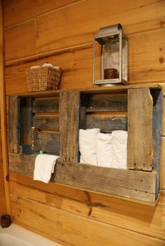 Pallet Shelving, would be so cute in the bathroom!