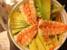 Avocado Garnelen Salat Lokal, Cantaloupe, Avocado, Restaurant, Fruit, Food, Good Food, Tips, Lawyer