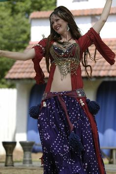 Love the side coverage with the ghawazee coat - Awalim tribal bellydance