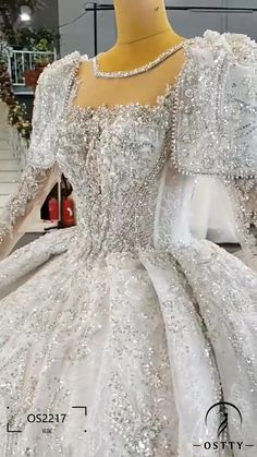 Affordable Wedding Dresses, Luxury Wedding Dress, Bridal Gowns, Wedding Gowns, Fall Maternity Outfits, Home Room Design, Beautiful Dresses, Marriage, Pakistan