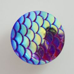 1 PC 18MM Blue Fish Scale Resin Chunk Pop Charm Zinc Silver Candy Snap Popper kb4070 CC1418 Diameter Size: 18MM Material: Zinc Alloy and resin