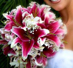 Hawaiian Wedding Flower Arrangements | Weddings in Hawaii | Hawaiian Wedding Flowers | Hawaii Wedding Cakes