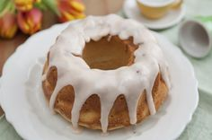 Lemon glaze adorns baked goods such as pound cake, blueberry scones and sugar cookies. Make a glaze with either granulated or powdered — also called confectioner's — sugar, depending on your desired results. Granulated sugar yields an almost transparent glaze that sinks into a baked product to infuse it with a tangy sweetness. Use it …