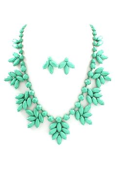 Marquise Lidia Necklace Set in Mint on Mint