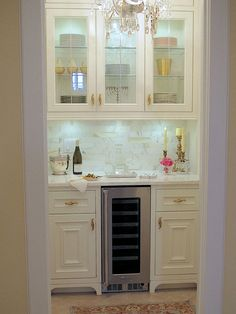 10 Gorgeous Elements to Add French Style to the Butler's Pantry-I recently converted a storage closet into my dream butler's pantry. Here are my 10 elements for a FRENCH STYLED BUTLER'S PANTRY Pantry Design, Kitchen Design, Kitchen Decor, Kitchen Ideas, Home Renovation, Home Remodeling, Cottage Renovation, Bedroom Remodeling, Petits Bars