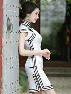 Chinese Cheongsam Dress.