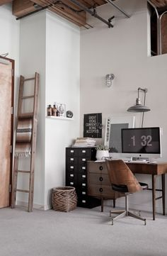 industrial and vintage work space. Zeker als je de muren wit laat zou ik witte meubels vermijden. Veel hout, zwart en alle tinten grijs, metaal, ruige/ industriele afwerking, of juist delicaat als het vintage is.