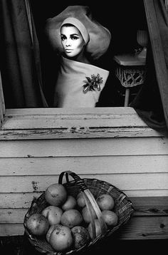 "adreciclarte: "" by Jean-Loup Sieff, 1964 "" Edward Weston, Ellen Von Unwerth, Richard Avedon, Ansel Adams, Magnum Photos, Photomontage, Palm Beach, Jean Loup Sieff, Street Photography"