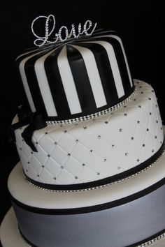 www.facebook.com/cakecoachonline - sharing...Black and white wedding cake