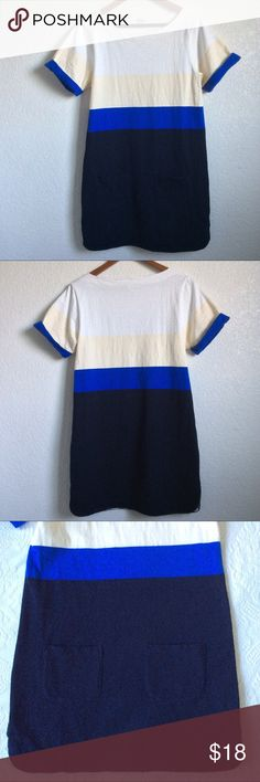 J.Crew Colorblock shift dress, Medium Cute and comfortable dress by J.Crew featuring a cool colorblock pattern in white/cream/cobalt blue/navy.  Size: Medium  Measures 19 inches armpit to armpit. Length 34 inches  Very good condition, no flaws. J. Crew Dresses