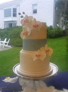 Orchid Wedding Cake by Wild Orchid Baking Co., via Flickr