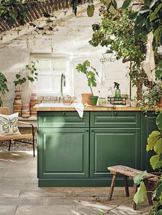 Ikea spring 2020 new furniture and decoration collection - PLANETE DECO a homes world Kitchen Ikea, Outdoor Kitchen Cabinets, Kitchen Cabinet Colors, Kitchen Interior, Kitchen Decor, Outdoor Kitchens, Kitchen Layout, Indoor Outdoor Kitchen, Backyard Kitchen