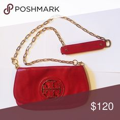Tory Burch Amanda Crossbody 100% authentic. Pebbled leather. Flap with metal logo. Removable crossbody strap. Gold tone hardware. Tory Burch Bags Crossbody Bags