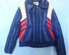 Vintage Ski Jacket Campus Rugged Country Down Feather Coat Blue White & Red Snow Coat Unisex Adult Medium Blue Puffer Jacket, Puffer Jackets, Winter Jackets, Vintage Ski Jacket, Feather Coat, Snow Outfit, Vintage Outfits, Street Wear
