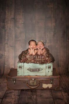 Newborn Twin Photography {Brooke Kelly Photography}