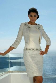 Linea Raffaelli From Fab Frocks Mother Of Bride Outfits, Mother Of Groom Dresses, Elegant Dresses, Pretty Dresses, Elegantes Outfit, Look Fashion, Beautiful Outfits, Designer Dresses, Evening Dresses