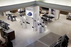 Filling Pieces Instore Presentation by Flip Ziedses Des Plantes at De Bijenkorf Store, Amsterdam – Netherlands » Retail Design Blog