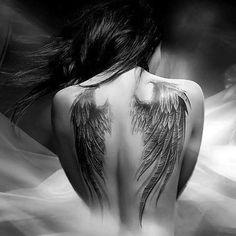 Un tatouage de toute beauté! #Tatouage #Gothique                                                                                                                                                                                 Plus