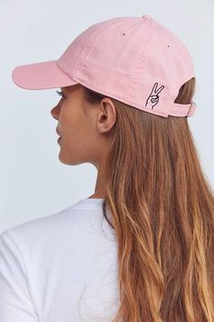 Shop Hand Sign Embroidered Baseball Hat at Urban Outfitters today. We carry all the latest styles, colors and brands for you to choose from right here. Bone Bordado, Stylish Caps, Foto Blog, Cute Hats, Cute Baseball Hats, Baseball Sayings, Baseball Cup, Baseball Scoreboard, Baseball Live