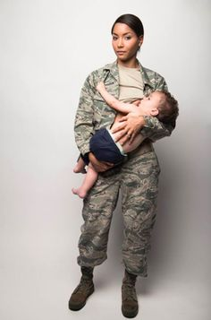 This photo of a breastfeeding Air Force mom is awesome! Click to see the rest of this stunning breastfeeding photo!