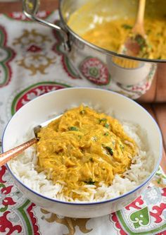 Slimming Eats Quick Mild Chicken Curry - gluten free, Slimming World and Weight Watchers friendly Mild Chicken Curry Recipe, Turkey Curry Recipe, Leftover Chicken Curry, Slimming World Fakeaway, Cooking Recipes, Healthy Recipes, Free Recipes, Gourmet Cooking, Budget Recipes