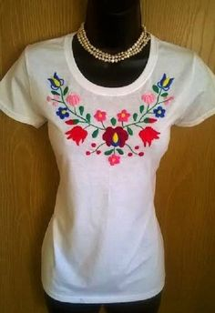 c07913ff11 Hand embroidered cotton red women T shirt top All size Polos Bordados
