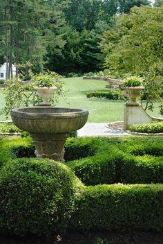 Tone on Tone: Garden Tours Boxwood Garden, Garden Urns, Garden Fountains, Garden Pool, Garden Landscaping, Outdoor Fountains, Water Fountains, Formal Garden Design, English Garden Design
