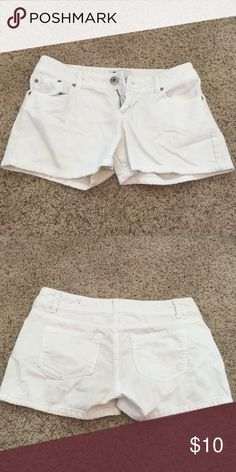 White denim shorts With a cute top they make for a great summer outfit SO Shorts Jean Shorts