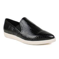 Fahrenheit Women's Pointed-toe Women's Snake Textured Sneaker (-5.5)