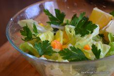 15 retete de salate pentru slabit sanatos. Salate delicioase si rapide – Sfaturi de nutritie si retete culinare sanatoase Guacamole, Serving Bowls, Spinach, Carrots, Deserts, Ale, Vegan, Fresh, Vegetables