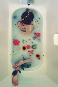 flower baths tub water peace smells